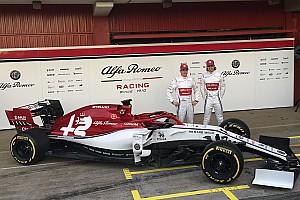 Alfa Romeo revela pintura definitiva para temporada 2019