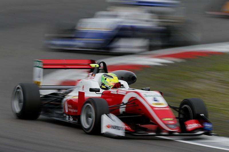 За рахунок чого Шумахер здійснив прорив у Формулі 3?
