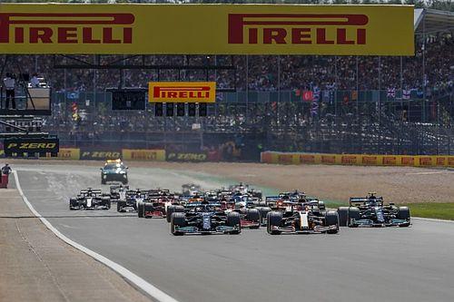 Hill: ''Hamilton'ın agresifliği Max'e zarar verdi''