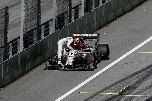 Alfa Romeo multata per la ruota persa da Raikkonen