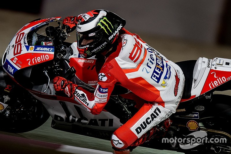 Лоренсо зазнав першої аварії на Ducati