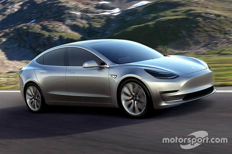 Середня ціна продажу Tesla Model 3 становить 60 000 доларів