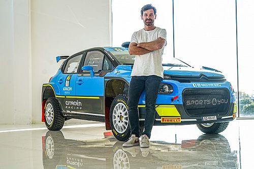 L'ex-entraîneur de l'OM s'essaie au WRC et rêve encore du Dakar