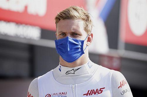 Schumacherben benne van a futamgyőzelem, csak jó autó kell alá
