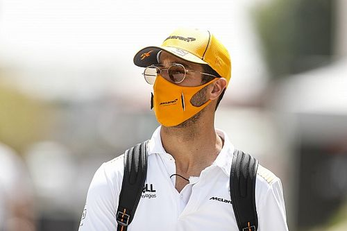 "Ricciardo: ""Idiots"" behind F1 using crashes for social media strategy"