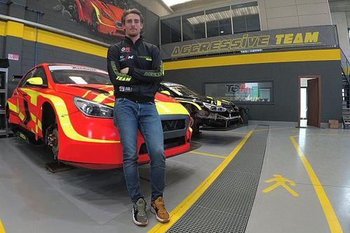 TCR Italy: il Team Aggressive cala l'asso Kevin Ceccon