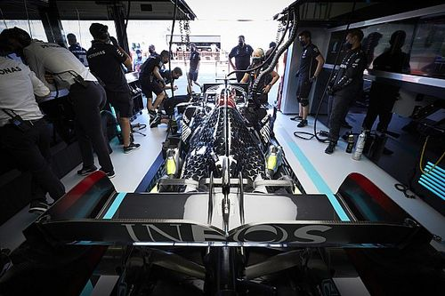 "Mercedes admits it has ""some issues"" with 2021 F1 engine"