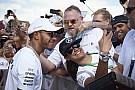 Hamilton surpreende e apaga publicações no Instagram
