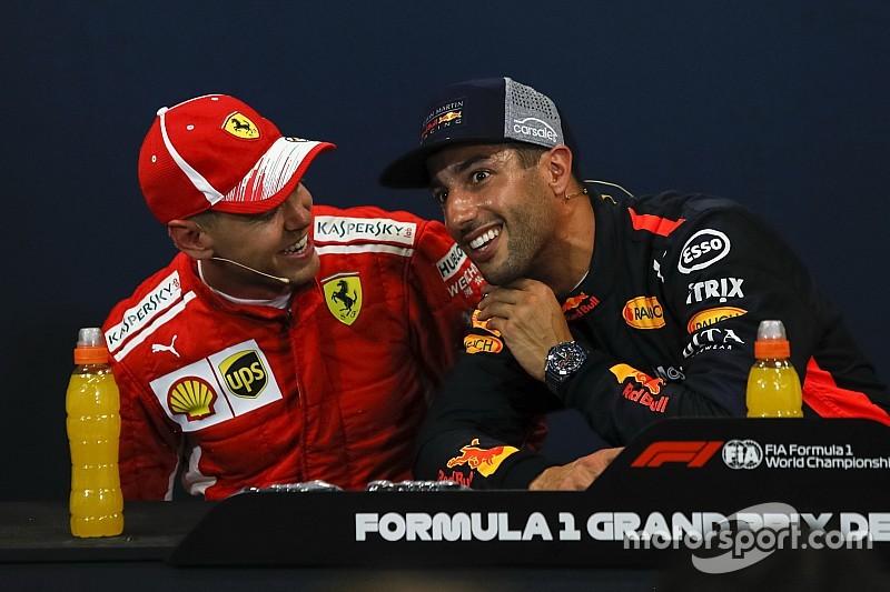 Daniel Ricciardo scherzt: