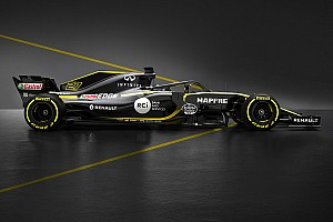 Renault presenta el RS18 de Sainz: más negro, menos amarillo
