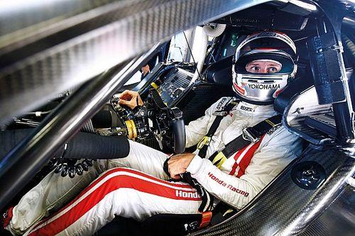 Japán Super GT: Button öt és fél év után először ünnepelhetett dobogón