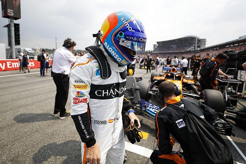 Alonso: Amikor hátul vagy, nincs mit veszítened