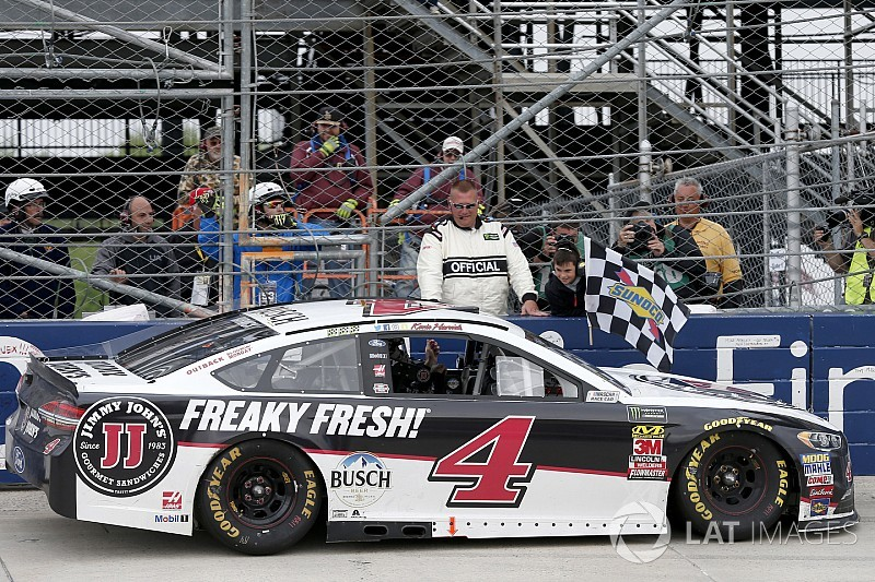 NASCAR in Dover: Kevin Harvick siegt nach Unterbrechung