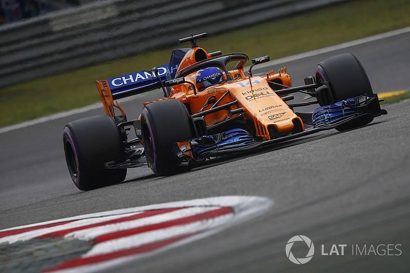 """Alonso reconoce que la lucha con Vettel """"no fue justa"""""""