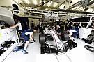 A Forma-1-es szurkolók a Williams garázsában aludhatnak!