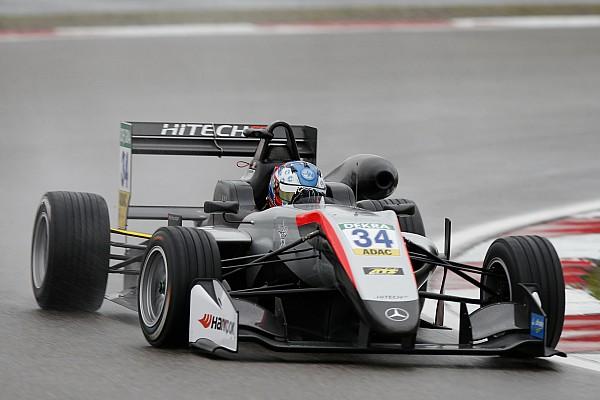 فورمولا 3 الأوروبية تقرير التجارب التأهيليّة فورمولا 3: هيوز وإيلوت ينطلقان من المركز الأوّل في سباقي الأحد في نوربورغرينغ