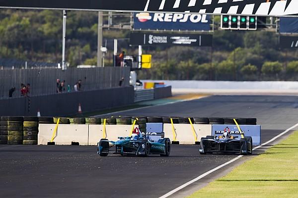 На тестах Формулы Е установили шикану. Гонщики в недоумении
