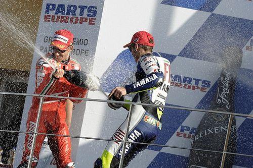 Stoner: Mis logros valen más por haberlos conseguido ante Rossi