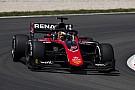 FIA Fórmula 2 Aitken gana la segunda carrera de la F2 en Barcelona