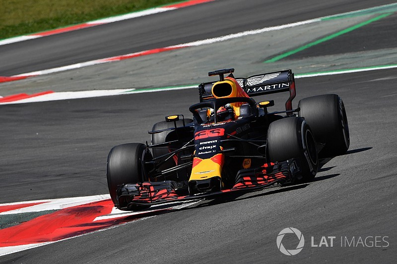 Verstappen devance Sainz d'un souffle à Barcelone