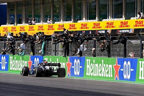 葡萄牙大奖赛:汉密尔顿强势超车后夺走胜利
