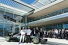 Inaugurato il nuovo Centro Ricerche Petronas con Hamilton e Bottas