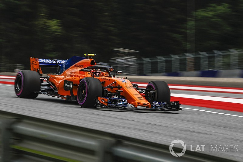 McLaren admits 2018 car has less downforce than predecessor