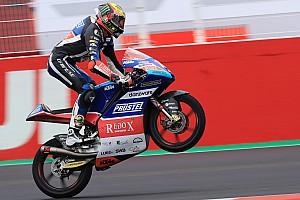 Moto3 レースレポート ベッツェッキ、ウエットレースを快勝。日本勢はポイント獲得ならず