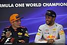 Így öntötte nyakon Ricciardo Verstappent az interjú közben