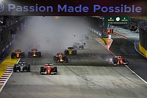 F1 突发新闻 新加坡大奖赛:法拉利双雄雨中起步相撞,汉密尔顿神奇领跑