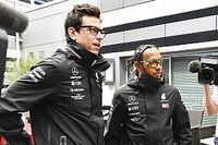 "Wolff calls Hamilton salary speculation ""total nonsense"""