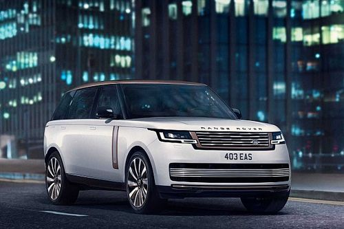 Letisztultabb lett az összkerék-kormányzású új Range Rover