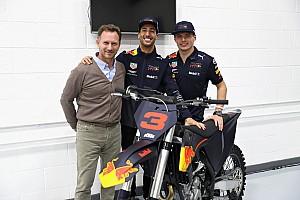 In beeld: Ricciardo neemt afscheid van Red Bull Racing
