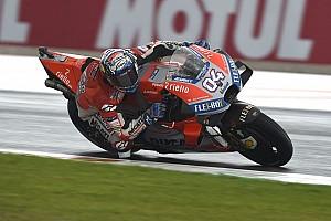 Dovizioso heer en meester in de regen van Valencia, crashes Marquez en Rossi
