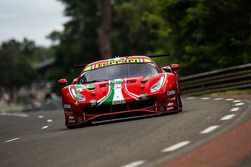 Ferrari wjechało w Corvettę