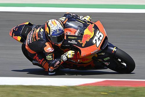 Moto2, Portimao: Lowes cade e trionfa Fernandez