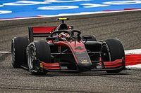 Ilott logra la pole en Bahréin y le recorta a Schumacher