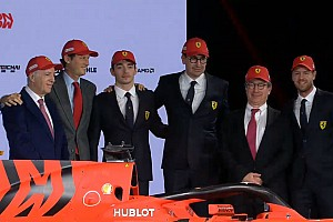 Presentazione Ferrari SF90: Elkann ha voluto toccare con mano la nuova Rossa