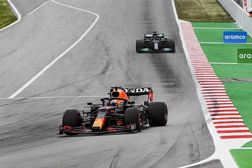 "Verstappen felt like ""sitting duck"" against Hamilton in Spain"