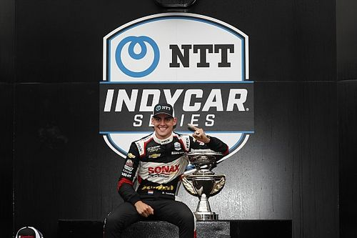 VIDEO: VeeKay pakt op Indianapolis eerste zege in IndyCar