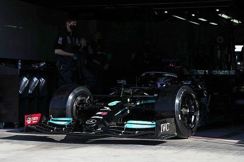 F1: Hamilton testa aro e pneu Pirelli de 18 polegadas de 2022 em Ímola