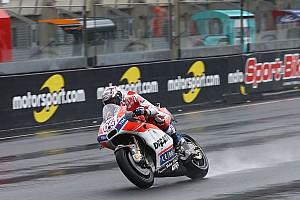 MotoGP Practice report Le Mans MotoGP: Dovizioso leads Marquez by 0.043s in wet FP2