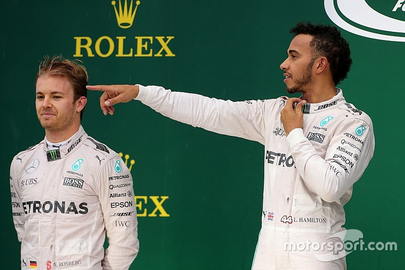 Hamilton's job easier than Rosberg's - Horner