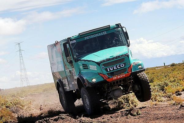 De Rooy team concedes Dakar victory bid