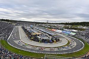 NASCAR Cup News Schnee in Martinsville: NASCAR-Rennen auf Montag verschoben