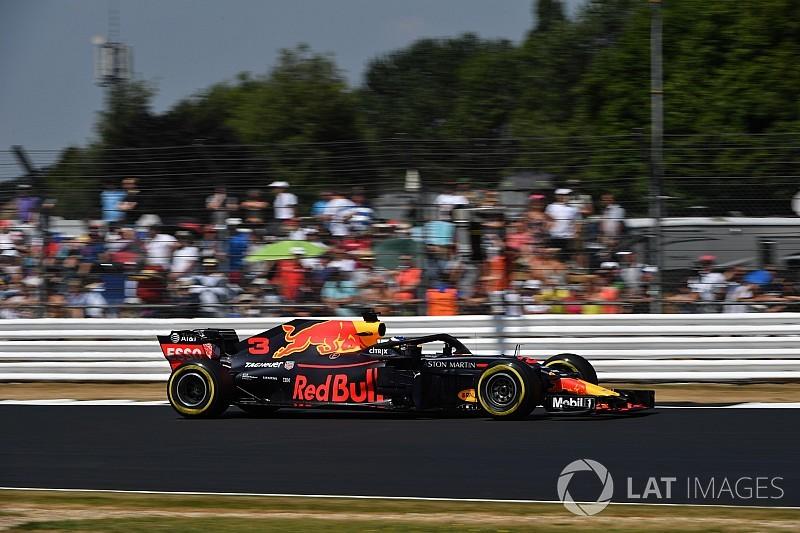 Ricciardo hampered by