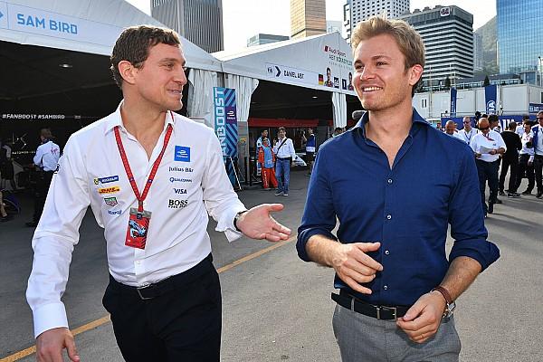 Rosberg guiará novo carro da F-E em demonstração pública