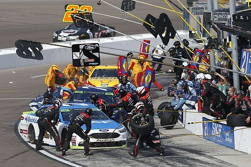 Pit crews face new challenges entering 2018 NASCAR season