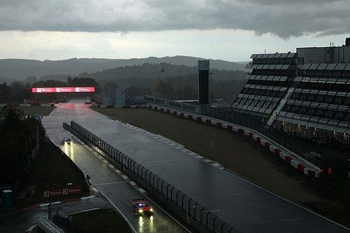 Nurburgring 24 Hours red-flagged due to fog after crashes