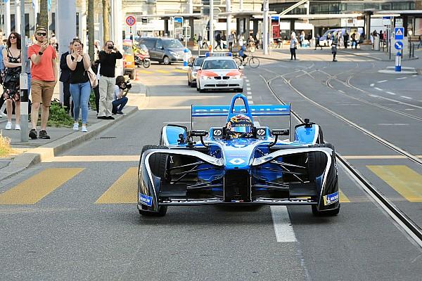 Formula E Fotogallery: Sébastien Buemi sulle strade del centro di Zurigo